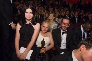 Patricia Arquette poses with Harlow Olivia Calliope, Eric White,Boyhood,Oscars