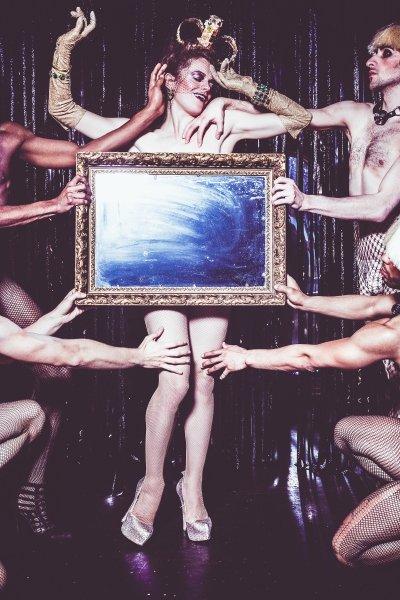 mannequin porno escort saint cyr