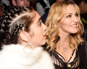 Lordes, Madonna