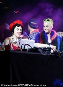Katy Perry, DJ Mia