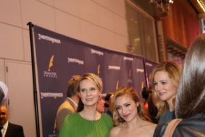 Cynthia Nixon, Christy Altomare, Laura Linney