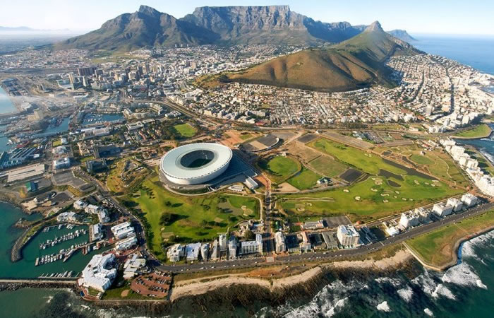 What to Expect When Booking Domestic Flights in South Africa? | Times Square Chronicles