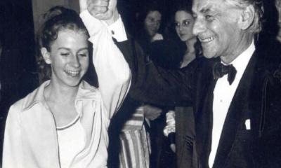 Andrea Andresakis, Leonard Bernstein