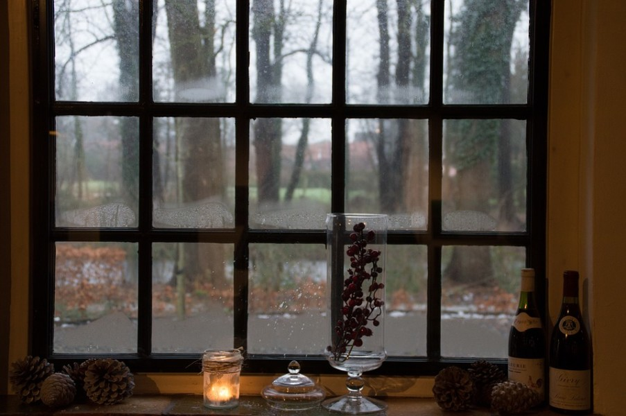 Top 4 Signs That You Need New Windows Before Winter