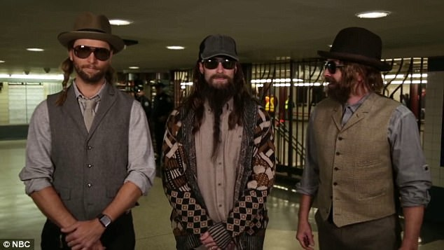Maroon 5, Jimmy Fallon go undercover as NYC subway buskers