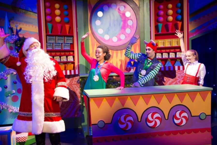 the tale of this twas the night before christmas centered around a young girl named emily kirra silver and her best friend a hip hop dancing mouse - The Night Before Christmas Cast