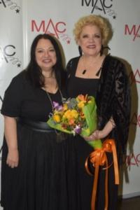 Julie Miller, Sharon McKnight
