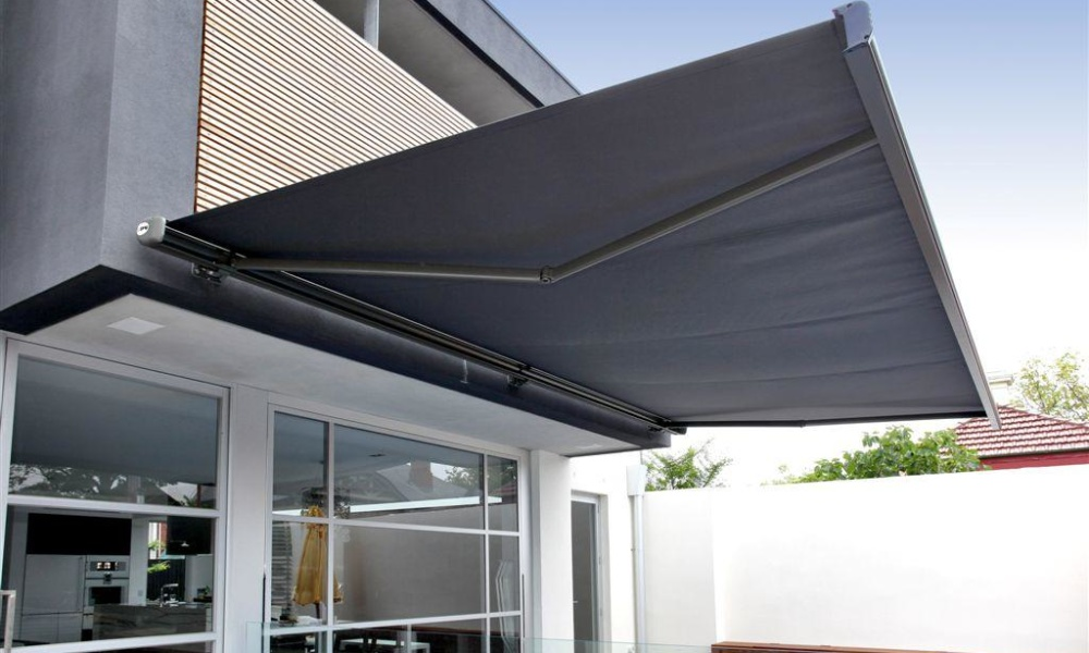 retractable awning installation