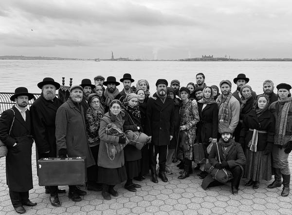 Joel Grey Takes Cast Photo Of Fiddler On The Roof In