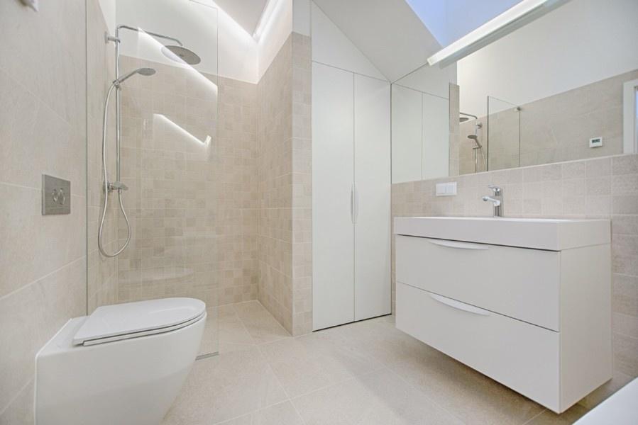 Easy DIY Bathroom Renovation & Makeover Ideas For A Budget ...